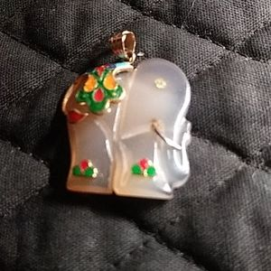 Jade elephant pendant,